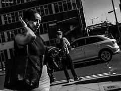 London Streets - Fuji X100 (Yago Ruiz · Photography) Tags: fuji x100 blackandwhite black white bn bw blancoynegro londres london uk street streetphotography photography fotografia foto photo callejera nikon 35mm 28mm fujifilm finepix fujistas nikonistas yagoruiz yagoruizphotography monochrome monocromo travel travelphotography viajes