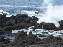 San Roque do Pico 170611_259 (jimcnb) Tags: 2017 juni urlaub azoren azores açores pico picoisland sanroquedopico coast rocks brandung