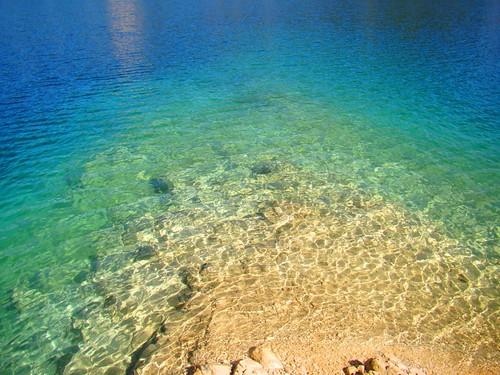 Paseando en balsa en el lago Pojoj (16)