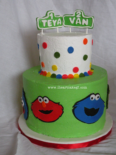 sesame street cake with toppers