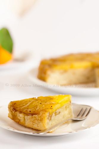 Torta rovesciata all'ananas, cannella e pimento