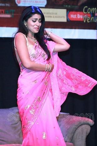 Shriya-pinka-saree