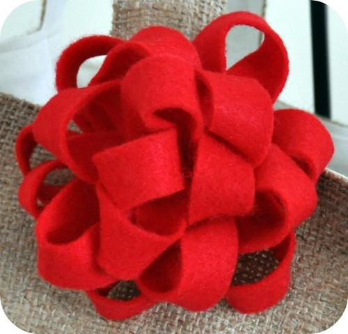 Felt Christmas Bow brooch