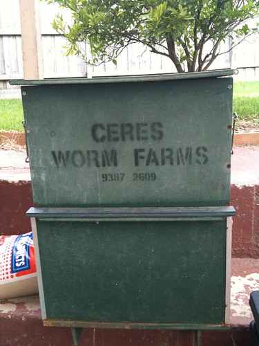 Ceres flow through worm farm