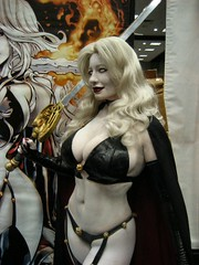 Lady Death at Brian Pulido's booth (BelleChere) Tags: costume comic cosplay bellechere ladydeath brianpulido