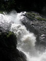 Wasserfall / Waterfall : Simmenflle in der Lenk im Simmental im Kanton Bern in der Schweiz (chrchr_75) Tags: mountains alps landscape schweiz switzerland suisse hiking swiss berge bern alpen christoph svizzera landschaft berne wandern berna wanderung suissa 0807 kanton chrigu wanderwege brn chrchr hurni chrchr75 chriguhurni albumweisshorn2008 hurni080729
