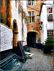 Antwerp 16th century - Vlaeykensgang (jackfre2) Tags: windows alley belgium historic doorway antwerp passage cobbles middleages throwback refuge flanders arched vlaeykensgang popularspot mygearandmepremium mygearandmebronze benchquiet cathedralscarillonconcerts