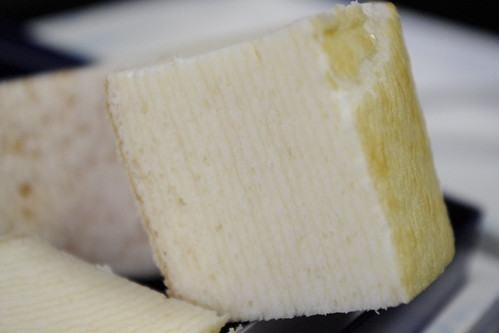 白いバウム TSUMUGI