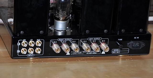5  输入端: 3 组 rca  电子管:300b*2,6n8*3,5z3p 1  外形尺寸:  380