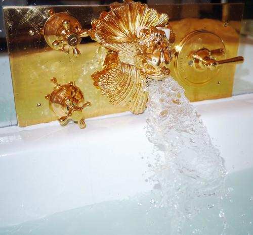 gold taps