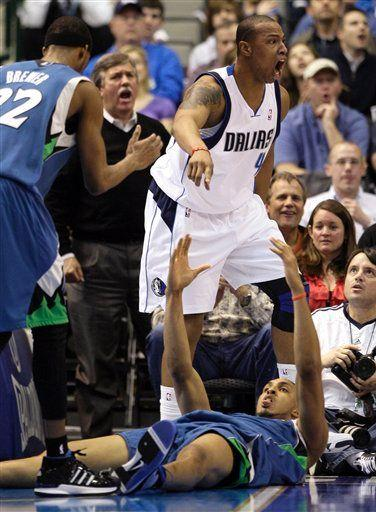 20100303-ryan-hollins-caron-butler