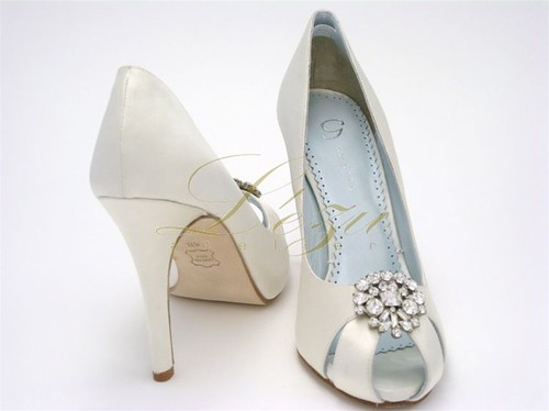 High heel shoes Wedding PeepToe Pumps with Rhinestone Brooche