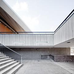 HKW (96dpi) Tags: berlin architecture square stair exterior courtyard treppe 1957 architektur hof hausderkulturenderwelt quadrat aussen hkw interbau hughstubbins