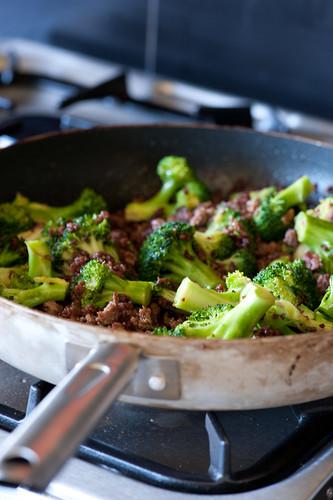 broccoli & lamb