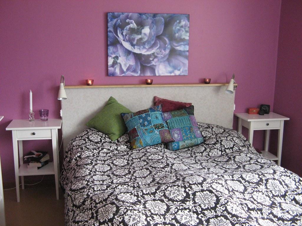 ... bedroom colorful bedsidetable säng sovrum nattduksbord hemnes