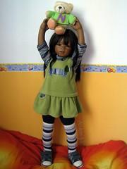 Look at my bear! (Tartadefresa) Tags: 2005 india doll artist kinder puppen muñeca sidika annettehimstedt