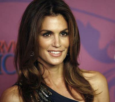 cindy crawford 43 anos