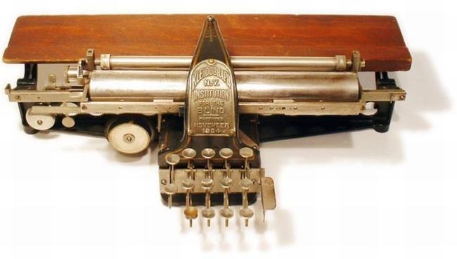 typewriter_37