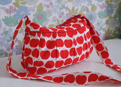 Buttercup Bag with zipper