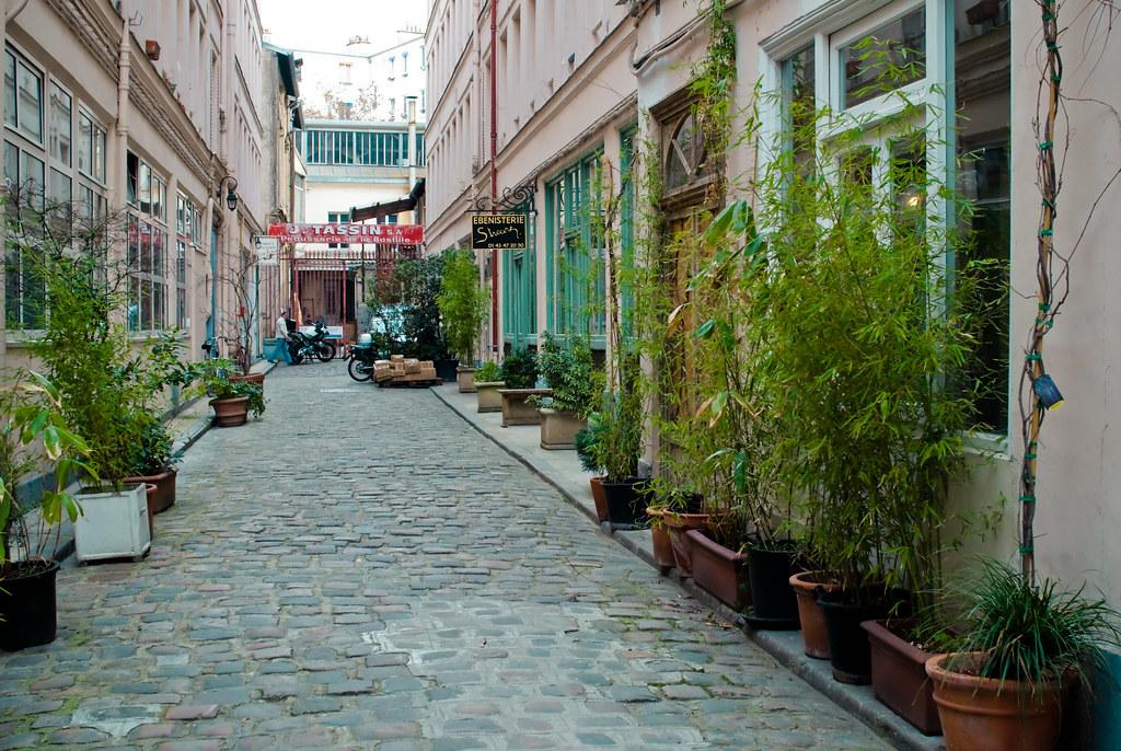 Walk hidden places unusual places 4eme 11eme and - Hema faubourg saint antoine ...