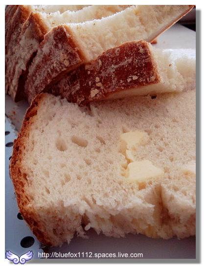100314哈肯舖10_巨木麵包