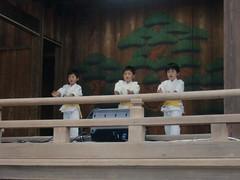 大鳥神社神楽殿演武3