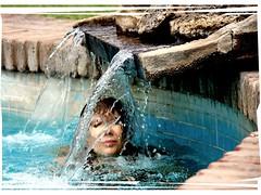 Auto-retrato 2 (-Ana Lía-) Tags: nikon verano agua water sol azul viaje paz luz tranquilidad neuquén patagonia argentina aprehendiz mujer femme woman flick