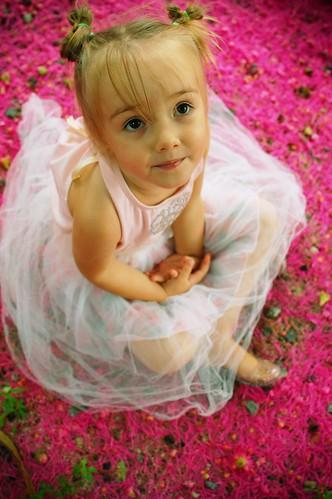 [フリー画像] 人物, 子供, 少女・女の子, 201004221300