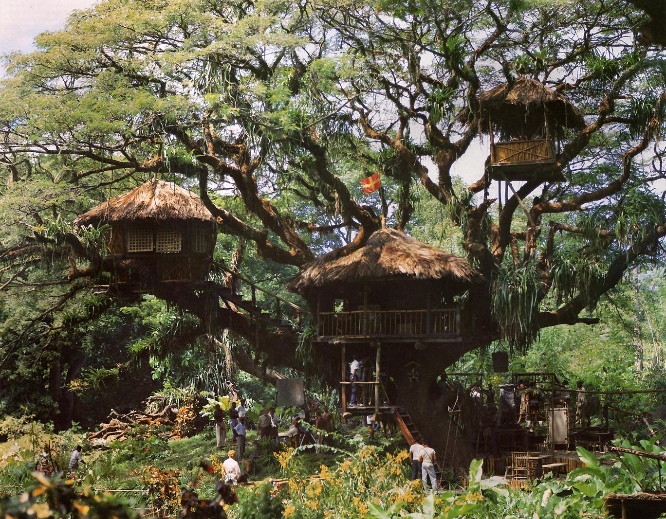 swiss robinson family treehouse