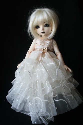 custom house petite ai Uriel: for adoption