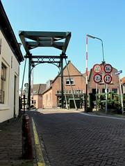 Abcoude: ophaalbrug - drawbridge (naturum) Tags: geotagged april 2010 amsterdamse ommegang abcoude ophaalbrug angstel amsterdamseommegang