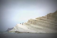 (cicala.dudu [supercalifragilisticamente]) Tags: mare spiaggia vacanze agrigento domenica portoempedocle realmonte scaladeiturchi sanleone gitafuoriporta argillaecalcare