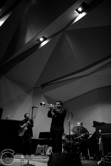 Anthony Wilson Trio at Neurosciences Institute 41410 © Michael Klayman-034