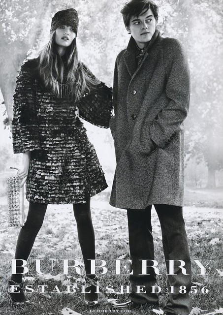 Sam Riley5004_BURBERRY(VOGUE HOMMES JAPAN 1)