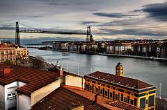 Puente de Vizcaya (belthelem) Tags: bridge españa puente spain nikon europe bilbao vasco portugalete euskadi vizcaya bilbo pais nervión puentecolgante getxo guecho lasarenas ría transbordador d300s