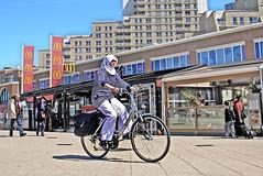 "Scheveningen Boulevard Types • <a style=""font-size:0.8em;"" href=""http://www.flickr.com/photos/45090765@N05/4631465769/"" target=""_blank"">View on Flickr</a>"