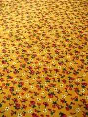 ••• ensolarado ••• (Wonderlineland❤) Tags: flores metro fabric material wonderland tecido algodão costura retalho