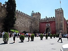 Long lines to get into Alcazar, Seville, Spain (ali eminov) Tags: tourism architecture sevilla spain gates towers seville tourists espana alcazar visitors andalusia fortifications fortress palaces fortresses moorisharchitecture alandalus mudejararchitecture fortressofchristiankings alcazarwalls