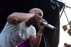 common performing at a concert