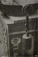 Romana (Fran Villalba) Tags: byn rustico nikon cerveza 1855mm viejo antiguo romana peso pesar balanza utensilios elaguila nikond60 cajacerveza
