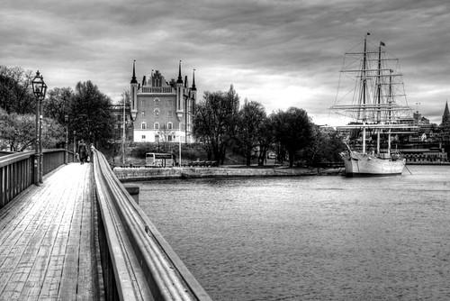 Stockholm. Skeppsholmen and ship. Estocolmo. Skeppsholmen y puente