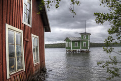 Bath House (Kerstin Hellstrom) Tags: lake green clouds sweden jmtland bathhouse jamtland badhus hdraward stavre