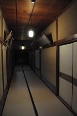 清晨的廊下
