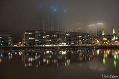 Reflejos, Niebla y HDR (FlavioSpezia) Tags: luz rio noche agua buenosaires nikon edificio cielo nocturna neblina grua niebla hdr puertomadero reflejos iluminacion d40