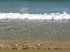 Kidding (Fernanda Dlia) Tags: ocean sea costa seagulls praia beach portugal boats waves gaivotas ondas