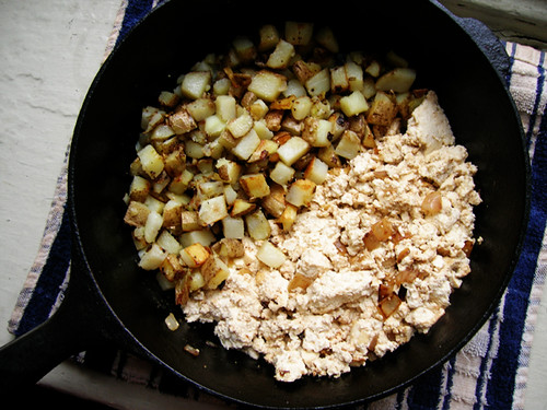 tofu scramble with breakfast potatoes