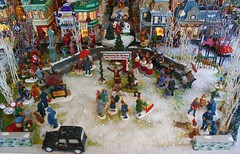 Christmas Village #10: Center City Park Scene (Terry.Tyson) Tags: dept56 lemax miniaturechristmasvillage christmas2009