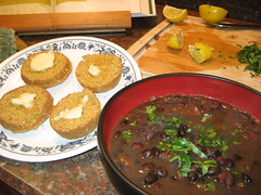 black bean soup and corn muffins (fucher is now) Tags: soup muffins quinoa cilantro limes blackbeansoup cornmuffins vegancooking okara mexicanlimes earthbalance veganomicon veganfoodstuffs veganmuffins vegansoup vegancornmuffins veganblackbeansoup okaramuffins