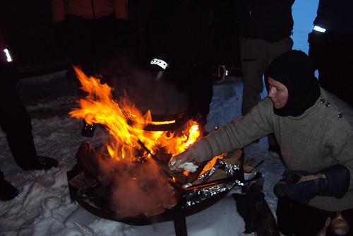 Lappland Burger auf Lagerfeuer zubereitet