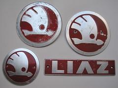 Skoda, Liaz truck emblems (baga911) Tags: emblem logo mt czech collection ornament badge 100 script mts czechoslovakia skoda 706 liaz škoda plzeň tgk závody embléma teherautó gyűjtemény automobilové mts24 liberecké